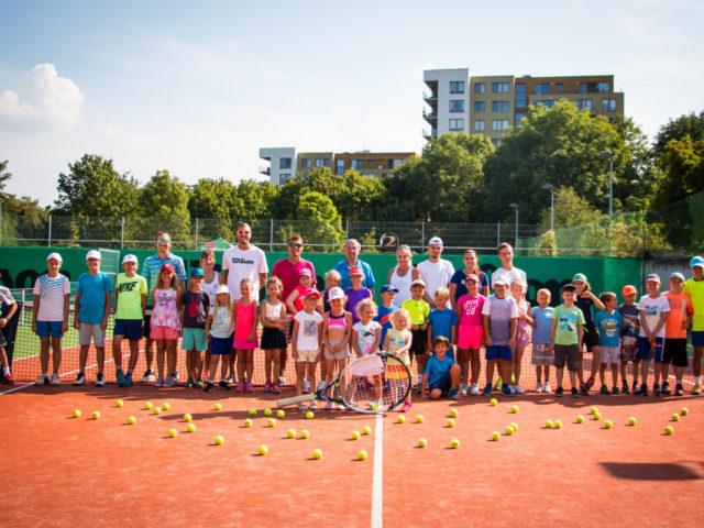 http://www.palaviznertennis.cz/wp-content/uploads/pala-vizner-tennis-kemp-26-8-30-8-2019-18-640x480.jpg